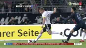 Lukas Podolski trifft zum Abschied