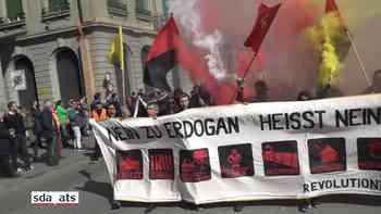 Tausende demonstrieren in Bern gegen Erdogan