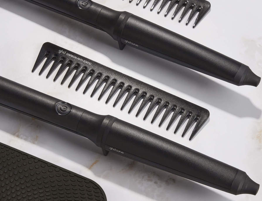 Receive a FREE ghd detangling comb (worth $25) and FREE Heat resistant mat with all ghd curve®