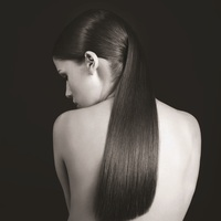 SLEEK PONYTAIL