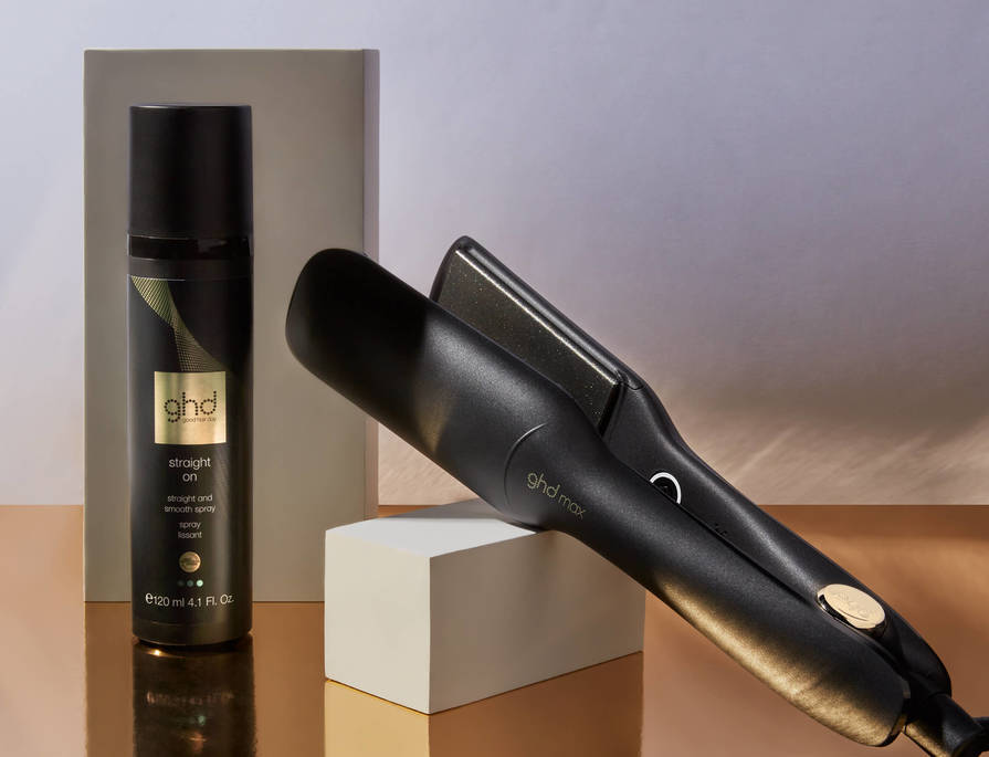 RECEIVE FREE PERSONALISATION & A FREE STRAIGHT & SMOOTH SPRAY (WORTH $50) WITH GHD MAX