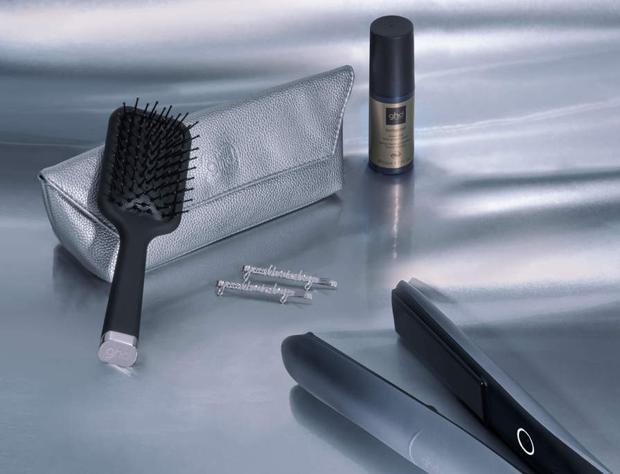 RECEIVE A FREE GIFT WORTH £30 WITH SELECTED STYLING TOOLS*