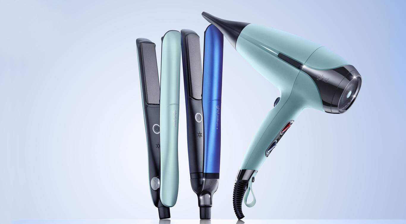 Discover the NEW summer hair heroes for a season of free-spirited beauty; introducing the limited edition ghd upbeat collection.  Featuring the ghd platinum+, ghd gold® and the new ghd helios™ hair dryer, in vibrant, futuristic limited edition hues, show your true colours this season and set new summer hair goals with the ghd upbeat collection.
